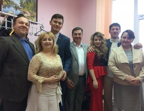 Артисты «Русских басен» открыли фестиваль в Ясном